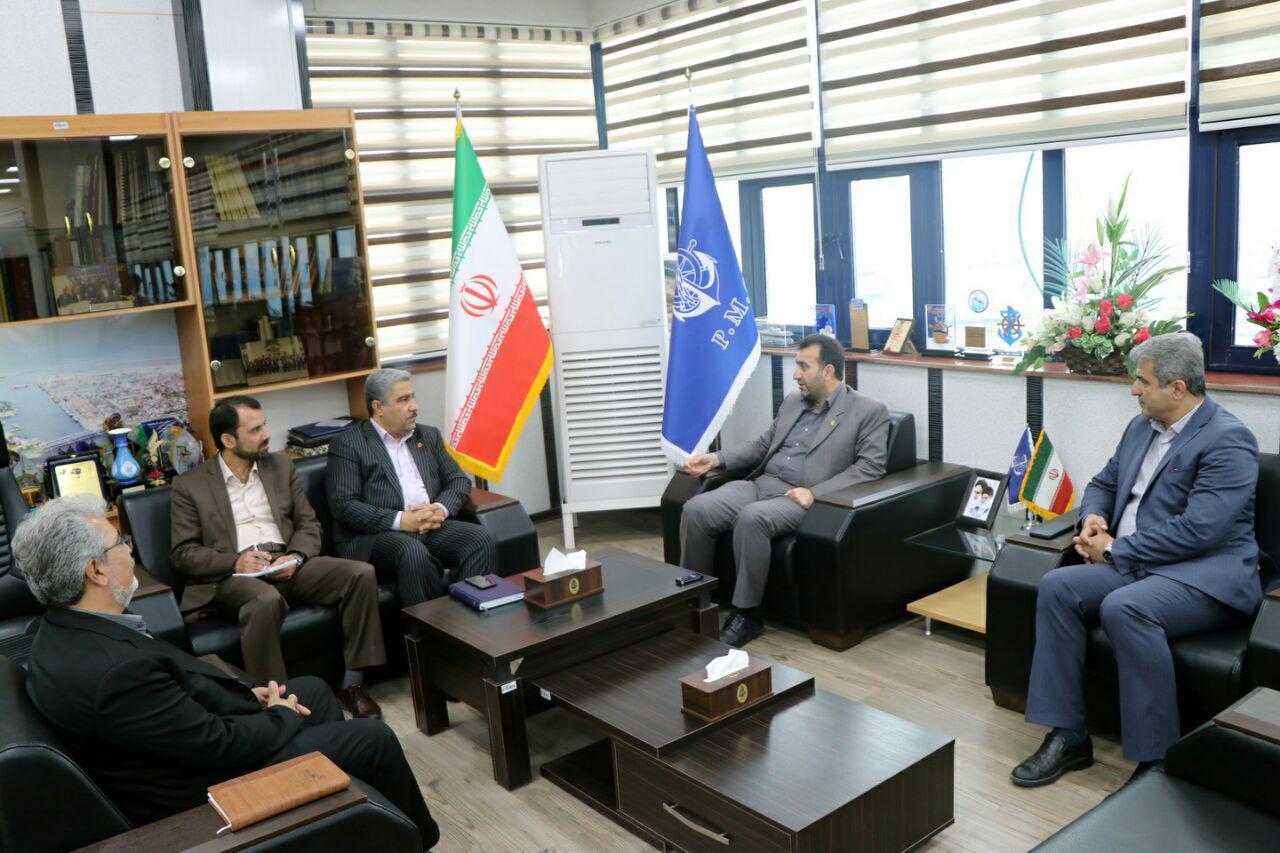 دیدار مدیر شعب بانک ملت گیلان با مدیرکل بنادر و دریانوردی استان گیلان