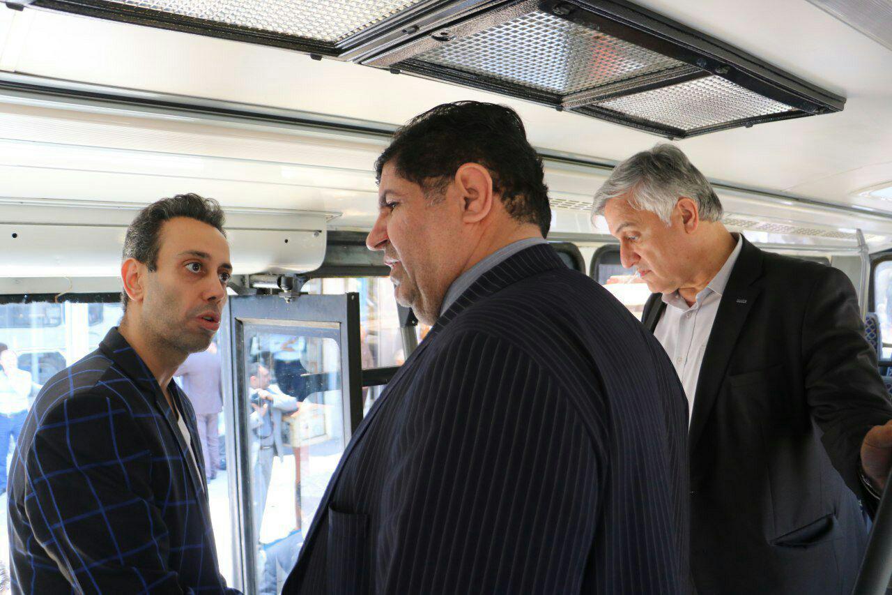 بهرهبرداری از ۲ اتوبوس بازسازیشده در بندرانزلی