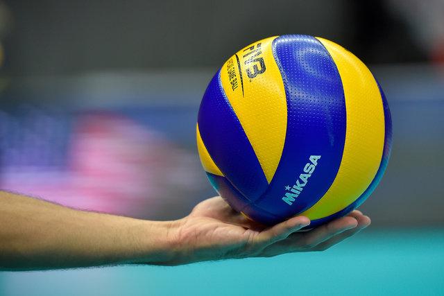 لقب حامی ورزشکاران توسط نونهالان والیبالیست رودسری به نام سیدمحمدی