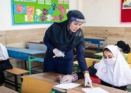 معلمان مدارس غیردولتی واکسینه میشوند